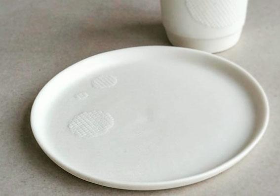 Teller Raster Punkte Atelier für Porzellangestaltung