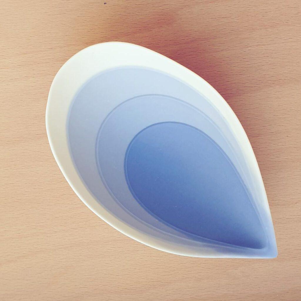 Tropfen blau Atelier für Porzellangestaltung